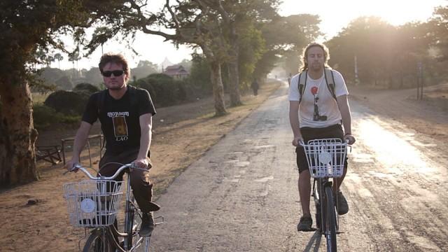Greg et Kristian à Bagan, Birmanie